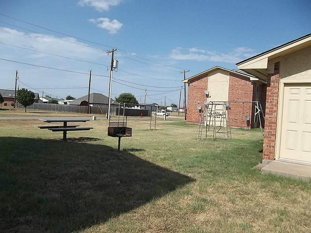 3. Single Family Homes for Rent at 1107 W Whitney Place Drive Whitney, Texas 76692 United States