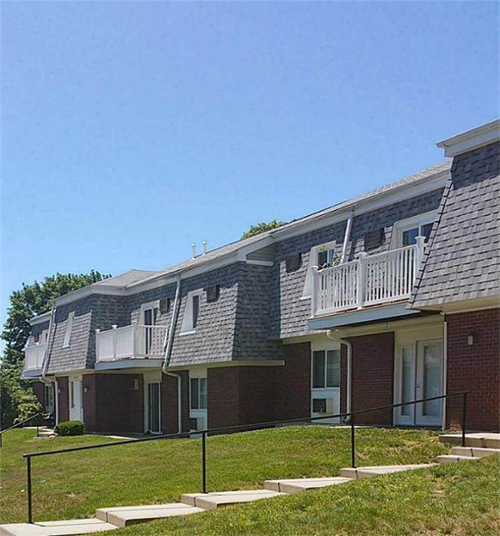 Multi Family for Rent at 1a Rolling Green Drive Amherst, Massachusetts 01002 United States