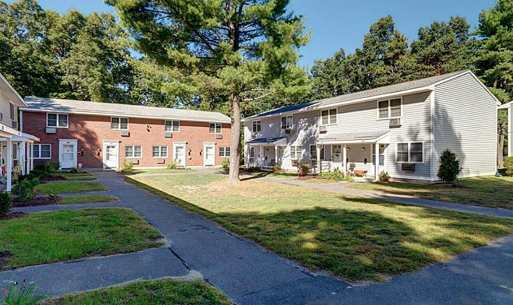 Multi Family for Rent at 1 Beacon Circle Springfield, Massachusetts 01119 United States