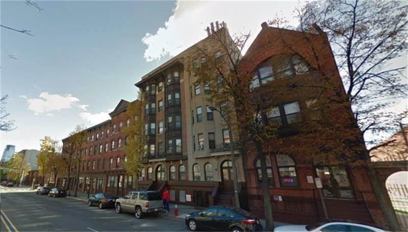 3. Single Family Homes for Rent at 361 Montgomery Street Jersey City, New Jersey 07302 United States