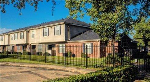 2. Single Family Homes for Rent at 3322 Yellowstone Boulevard Houston, Texas 77021 United States