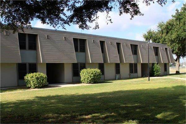 Multi Family for Rent at 800 N 123 Bypass Seguin, Texas 78155 United States