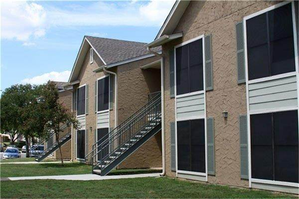 Multi Family for Rent at 810 N Frio Street San Antonio, Texas 78207 United States