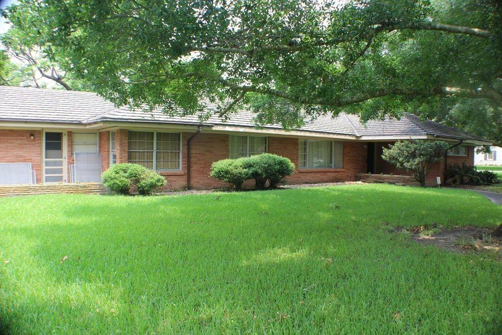 Single Family for Sale at 917 6th Street Bay City, Texas 77414 United States