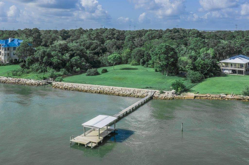 Land for Sale at 103 + 118 S Bay Avenue Kemah, Texas 77565 United States