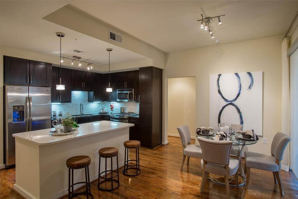 High or Mid-Rise Condo for Rent at 500 Crawford Street #242 500 Crawford Street Houston, Texas 77002 United States