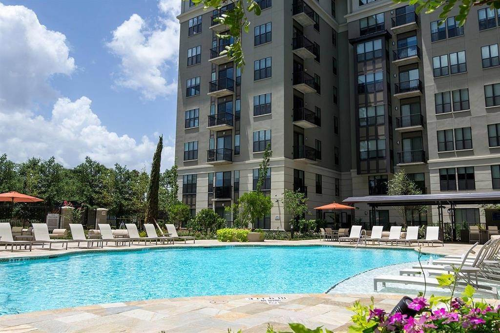 14. High or Mid-Rise Condo for Rent at 3833 Dunlavy Street #138 3833 Dunlavy Street Houston, Texas 77006 United States