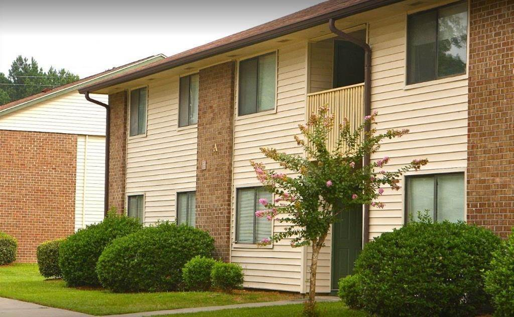 Multi Family for Rent at 305 Park Street St. George, South Carolina 29477 United States