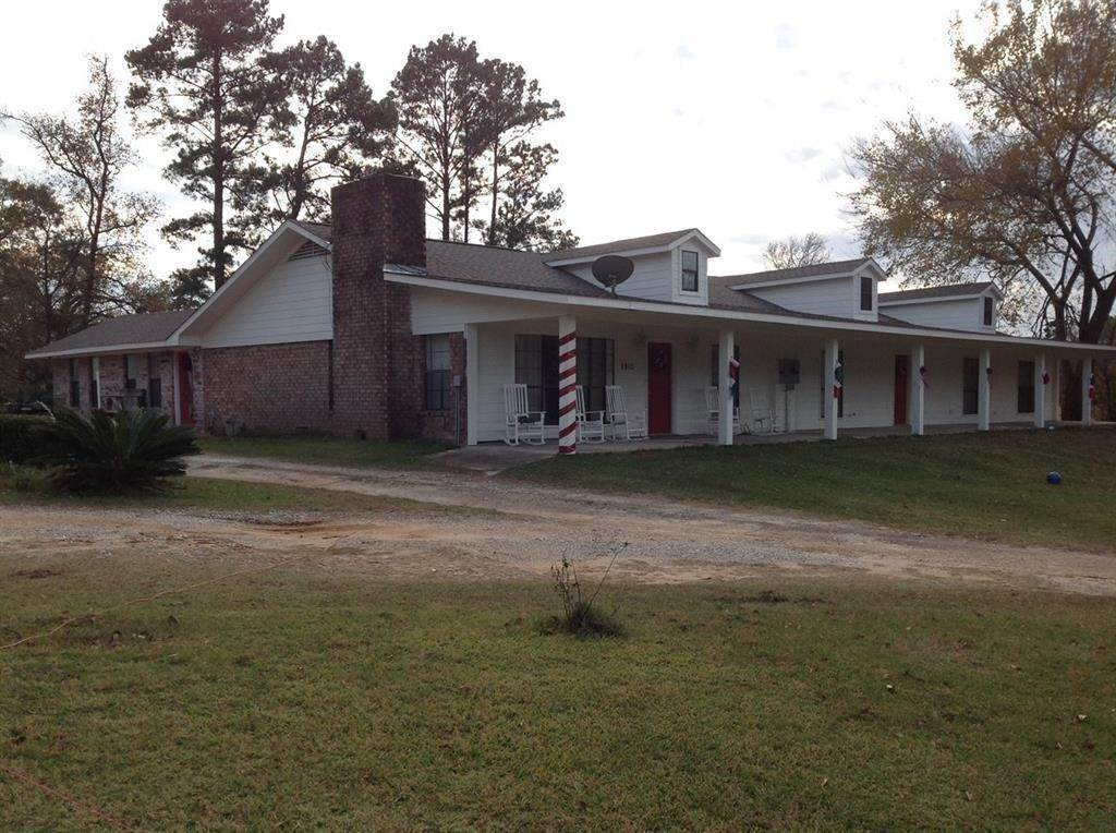 Multi-Family Homes for Sale at 1910 Us Hwy 190 Highway Oakhurst, Texas 77359 United States
