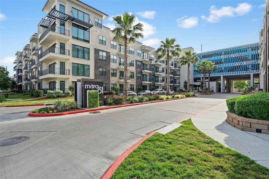 10. High or Mid-Rise Condo for Rent at 3131 N Timmons Ln #2309 3131 N Timmons Ln Houston, Texas 77027 United States