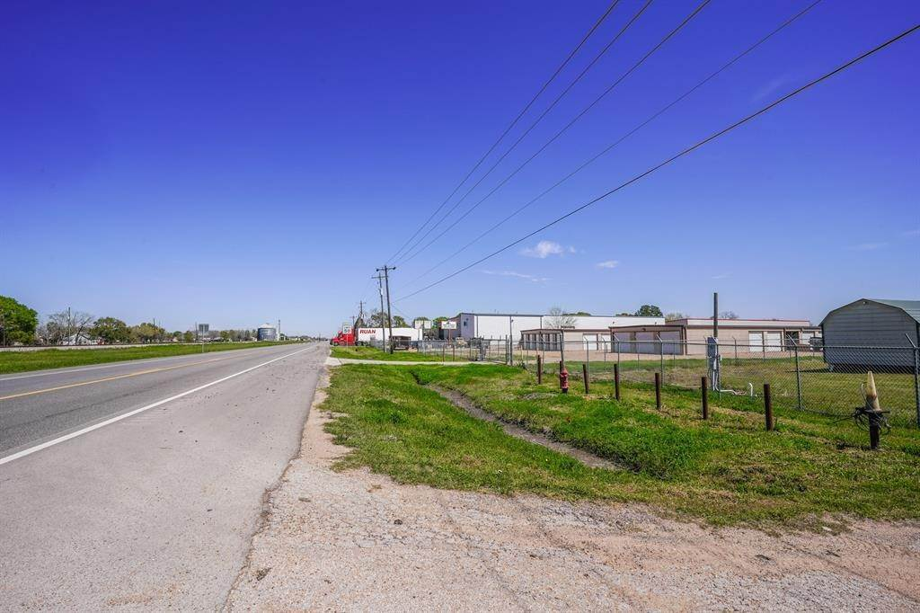 27. Residential Lots & Land for Rent at 7929 Loop 540 Beasley, Texas 77417 United States