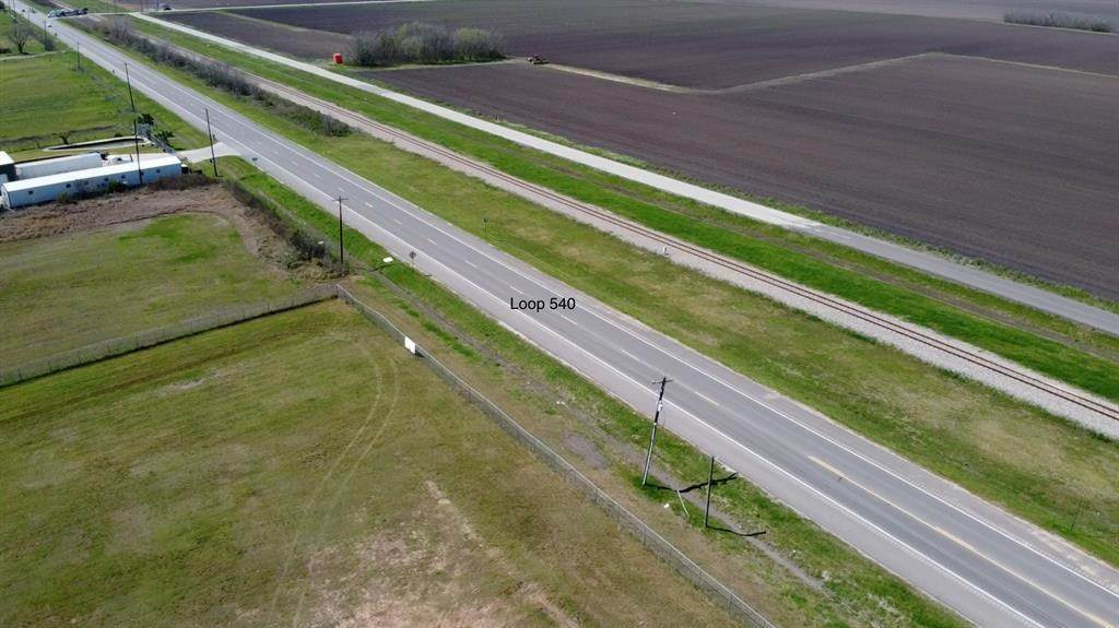 30. Residential Lots & Land for Rent at 7929 Loop 540 Beasley, Texas 77417 United States