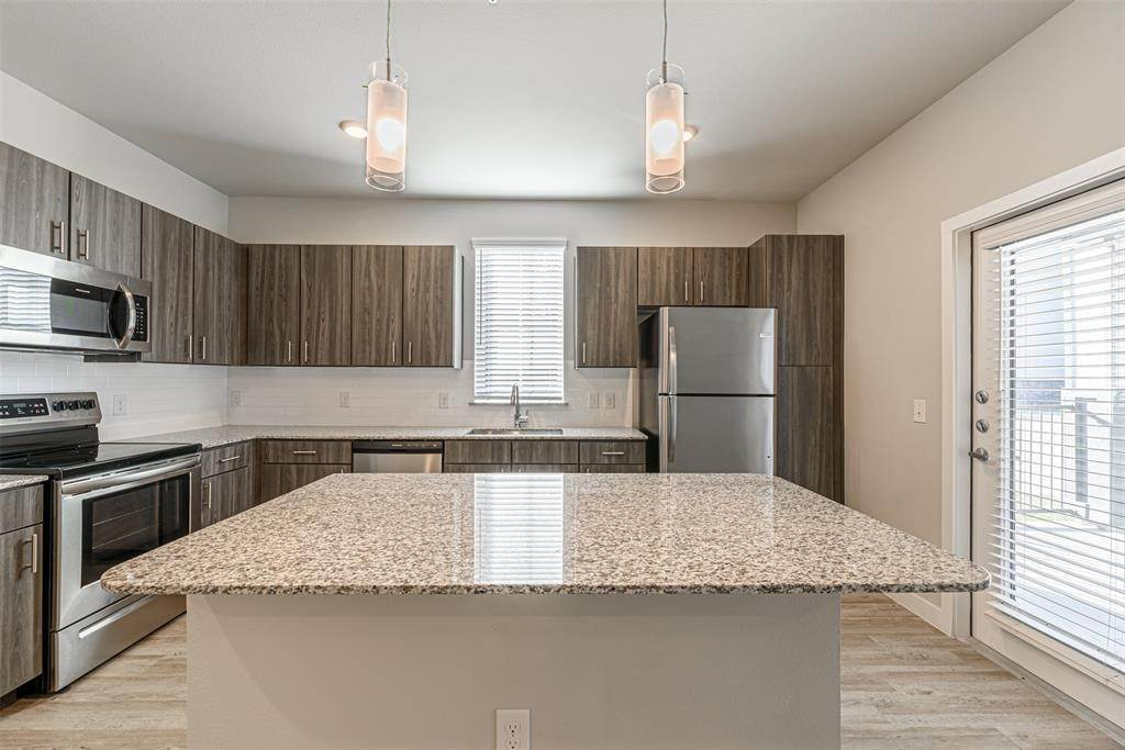 High or Mid-Rise Condo for Rent at 14100 Will Clayton Parkway #3203 14100 Will Clayton Parkway Humble, Texas 77346 United States