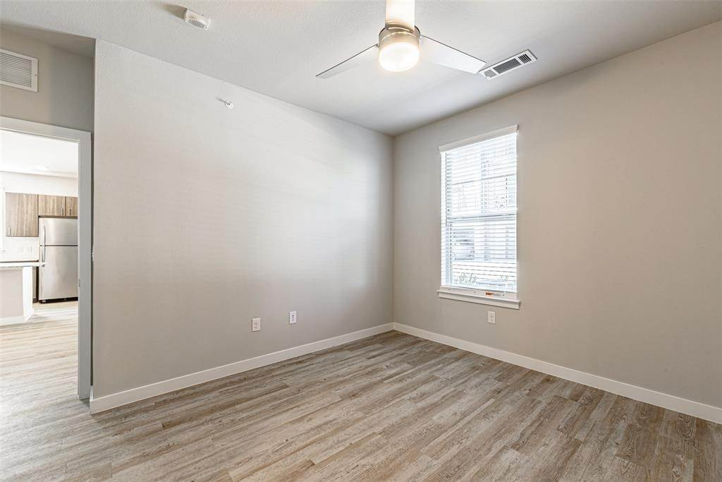 10. High or Mid-Rise Condo for Rent at 14100 Will Clayton Parkway #3203 14100 Will Clayton Parkway Humble, Texas 77346 United States