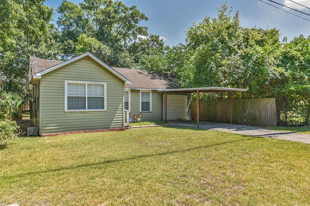 Single Family for Sale at 1721 W 22nd Street Houston, Texas 77008 United States