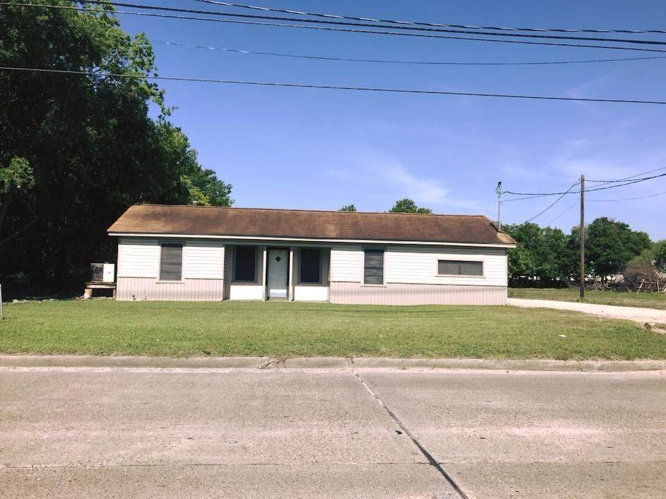 Multi Family for Rent at 4815 N Main Street Baytown, Texas 77521 United States