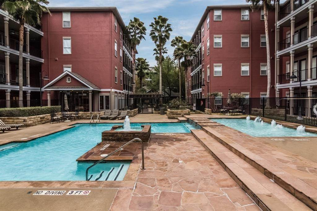 24. High or Mid-Rise Condo for Rent at 2400 Mccue Road #118 2400 Mccue Road Houston, Texas 77056 United States