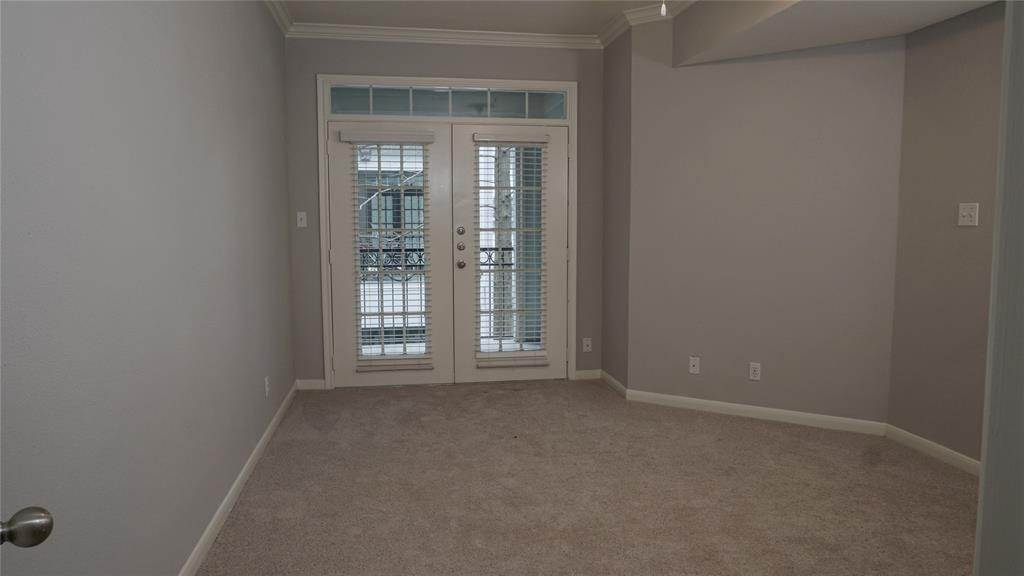 10. High or Mid-Rise Condo for Rent at 3805 W Alabama #5303 3805 W Alabama Houston, Texas 77027 United States