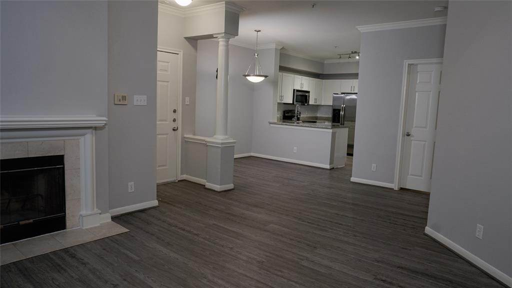 5. High or Mid-Rise Condo for Rent at 3805 W Alabama #5303 3805 W Alabama Houston, Texas 77027 United States