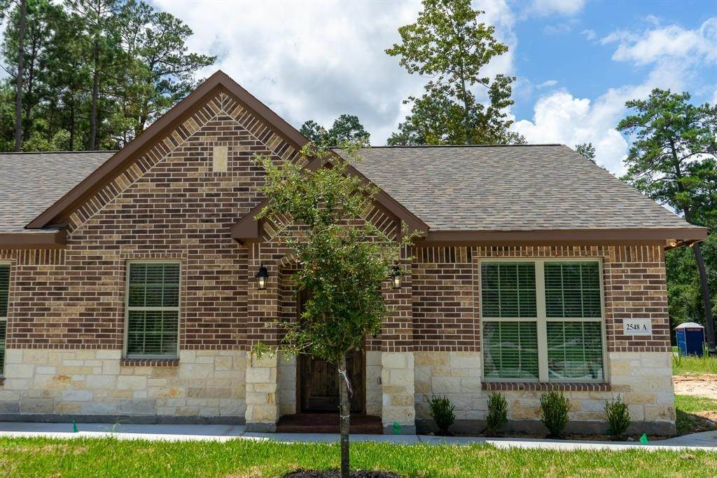 Condo / Townhouse for Rent at 2606 Appian Way #2548 A 2606 Appian Way New Caney, Texas 77357 United States