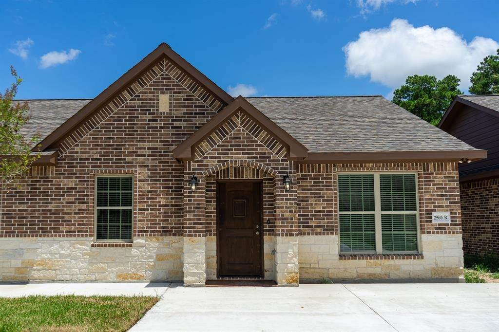Condo / Townhouse for Rent at 2606 Appian Way #2560 B 2606 Appian Way New Caney, Texas 77357 United States