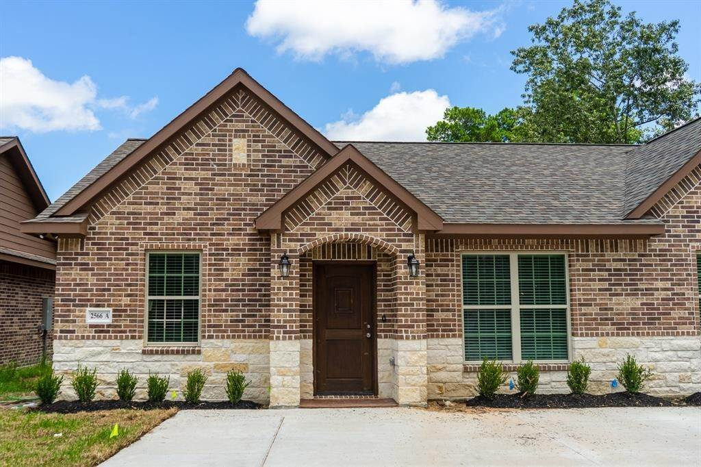 Condo / Townhouse for Rent at 2606 Appian Way #2566 A 2606 Appian Way New Caney, Texas 77357 United States