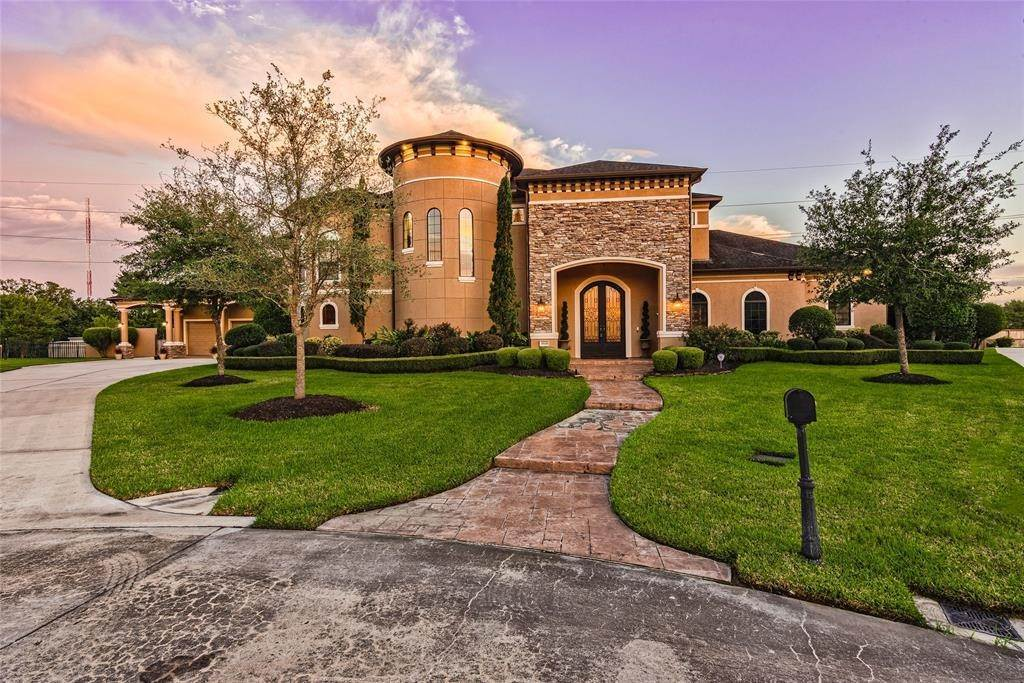 Single Family for Sale at 3024 Bridle Path Lane Friendswood, Texas 77546 United States