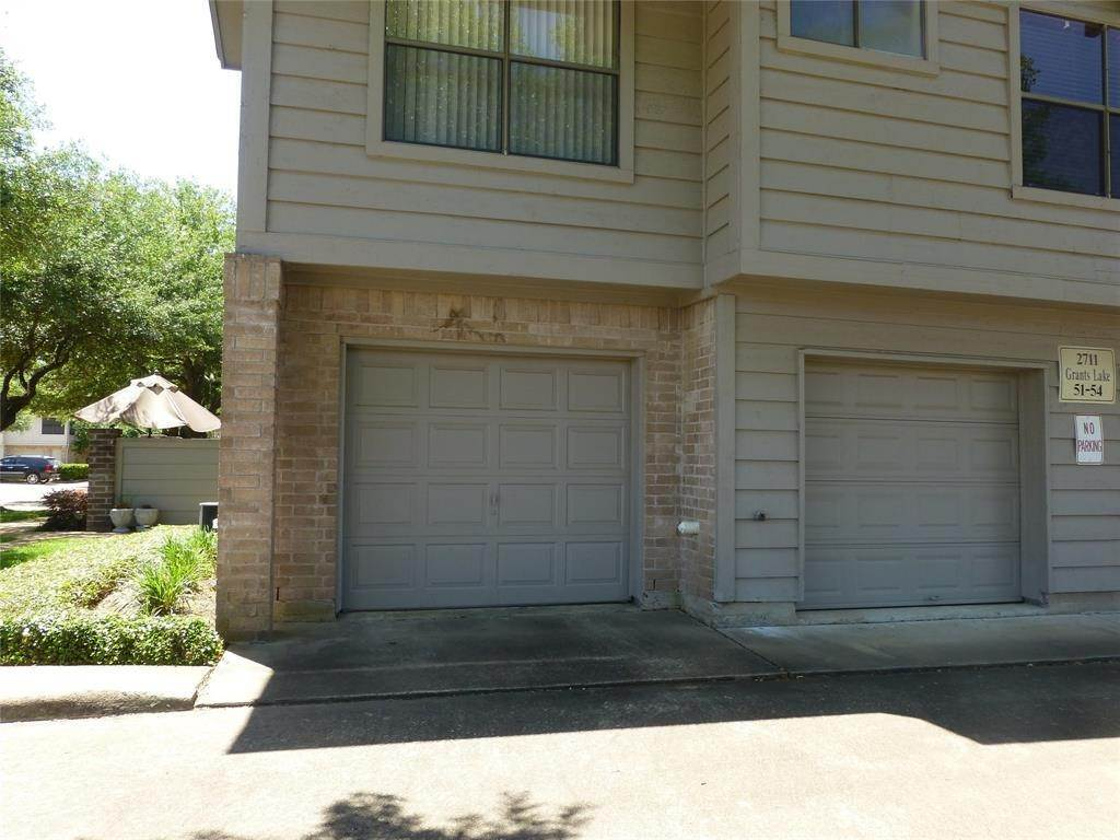 12. Condo / Townhouse for Rent at 2711 Grants Lake #54 2711 Grants Lake Sugar Land, Texas 77479 United States