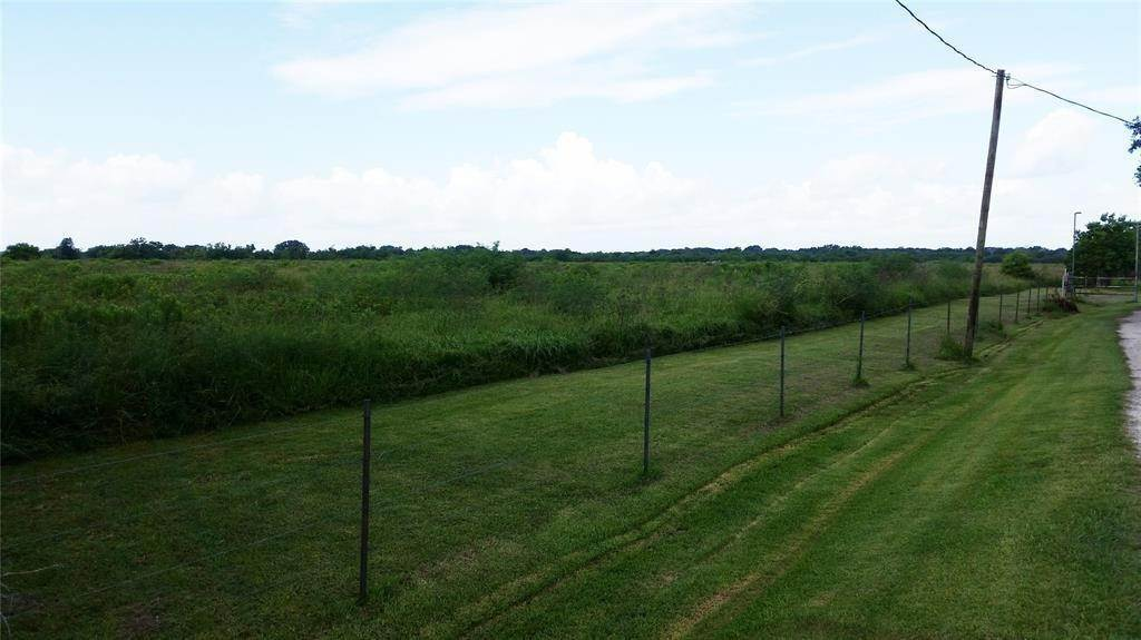 Land for Sale at 100 County Road 48 Angleton, Texas 77515 United States