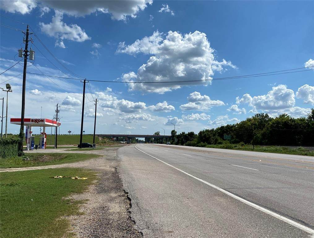 Land for Sale at 0000000 Hwy 59 Hungerford, Texas 77448 United States