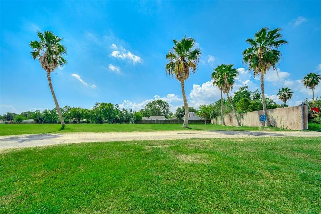 Land for Sale at 00 Delesandri And Lawrence Kemah, Texas 77565 United States