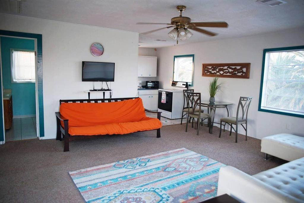 11. Single Family Homes for Rent at 16503 Francis Drake Road Jamaica Beach, Texas 77554 United States