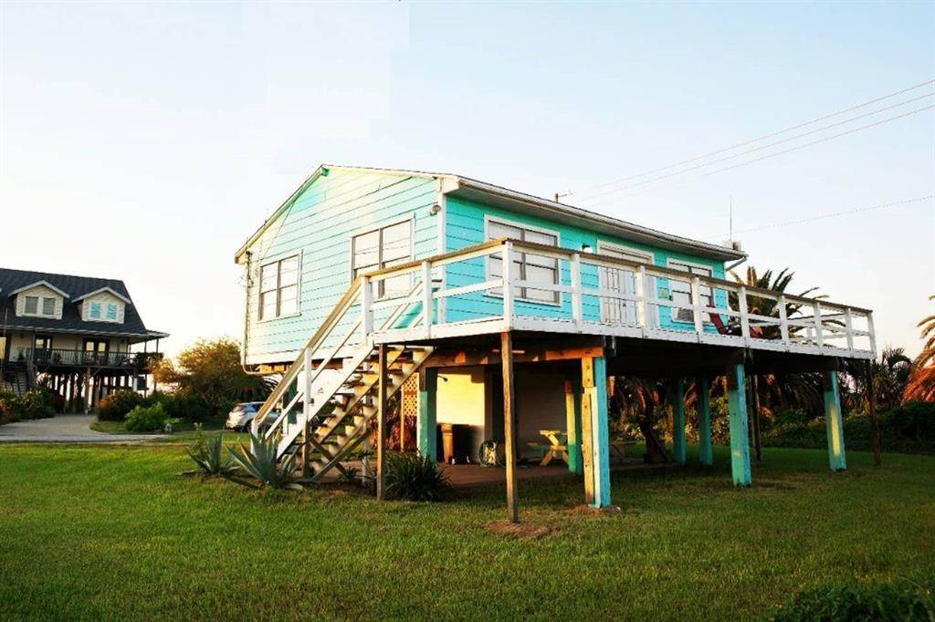 2. Single Family Homes for Rent at 16503 Francis Drake Road Jamaica Beach, Texas 77554 United States