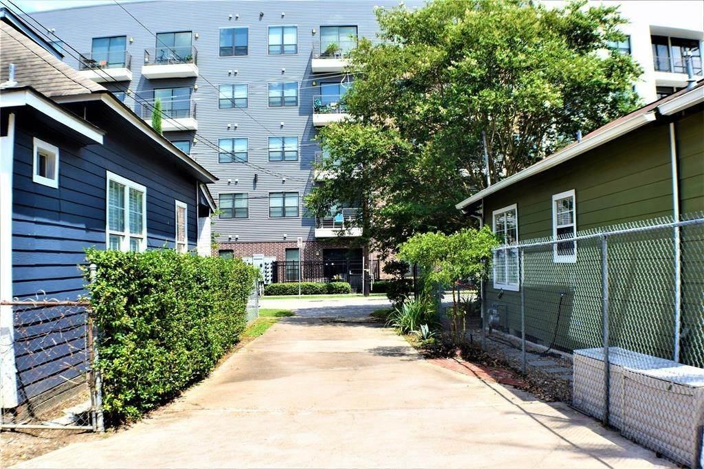 12. Single Family Homes for Rent at 1509 1/2 Bonner Street #Unit A 1509 1/2 Bonner Street Houston, Texas 77007 United States