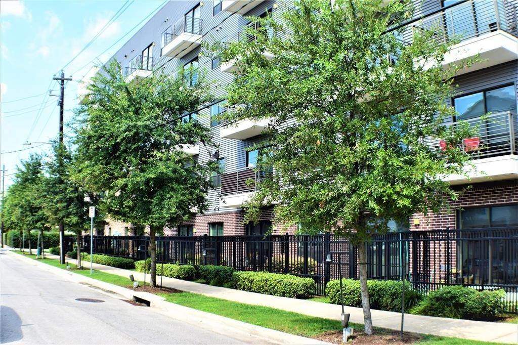 16. Single Family Homes for Rent at 1509 1/2 Bonner Street #Unit A 1509 1/2 Bonner Street Houston, Texas 77007 United States