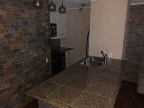5. Condo / Townhouse for Rent at 3271 Sul Ross Street #16 3271 Sul Ross Street Houston, Texas 77098 United States