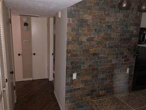 9. Condo / Townhouse for Rent at 3271 Sul Ross Street #16 3271 Sul Ross Street Houston, Texas 77098 United States