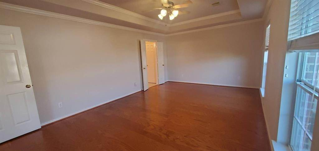 19. Condo / Townhouse for Rent at 3003 Heritage Creek Oaks Houston, Texas 77008 United States