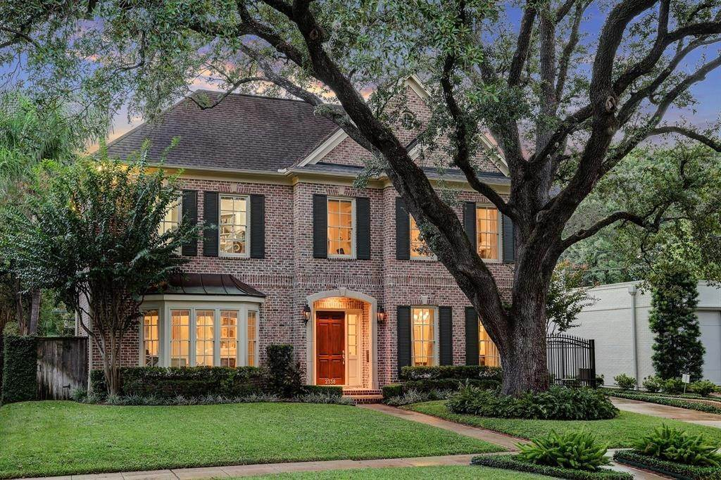 Single Family for Sale at 2338 Timber Lane Houston, Texas 77027 United States