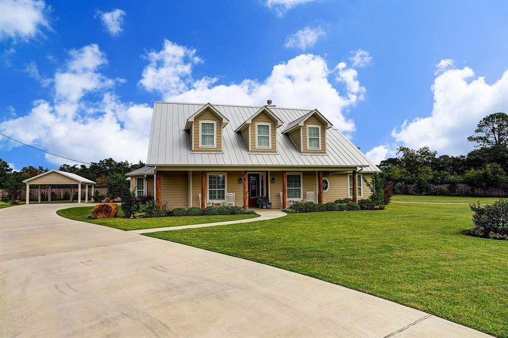 Single Family for Sale at 1152 Track Road New Ulm, Texas 78950 United States
