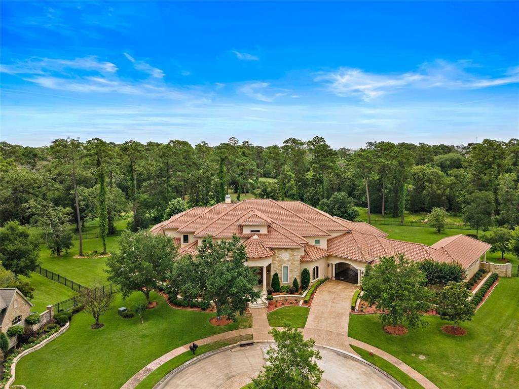 Single Family for Sale at 1402 Timber Creek Drive Friendswood, Texas 77546 United States