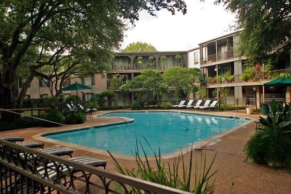10. High or Mid-Rise Condo for Rent at 2400 Yorktown Street #287 2400 Yorktown Street Houston, Texas 77056 United States