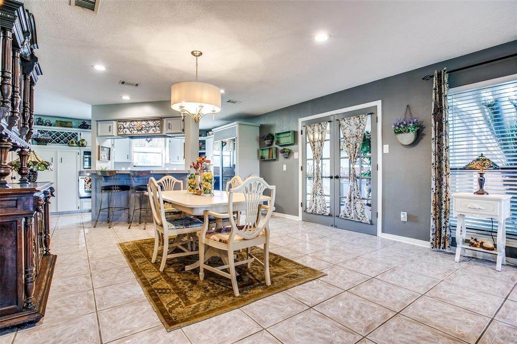 Single Family for Sale at 11927 Cedar Gully Road Beach City, Texas 77523 United States