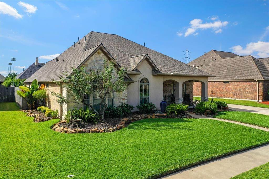 Single Family for Sale at 2305 E Lonesome Dove Drive Deer Park, Texas 77536 United States