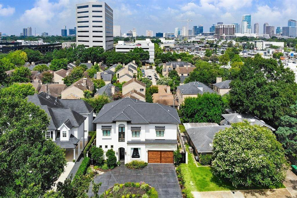 28. Single Family for Sale at 2706 Westgrove Lane Houston, Texas 77027 United States