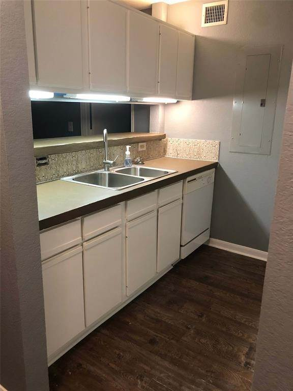 Condo / Townhouse for Rent at 521 Southwest Parkway #202 521 Southwest Parkway College Station, Texas 77840 United States