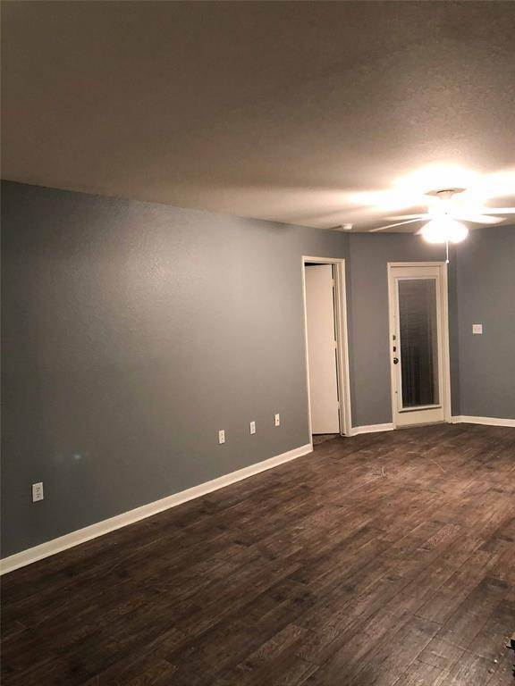 4. Condo / Townhouse for Rent at 521 Southwest Parkway #202 521 Southwest Parkway College Station, Texas 77840 United States