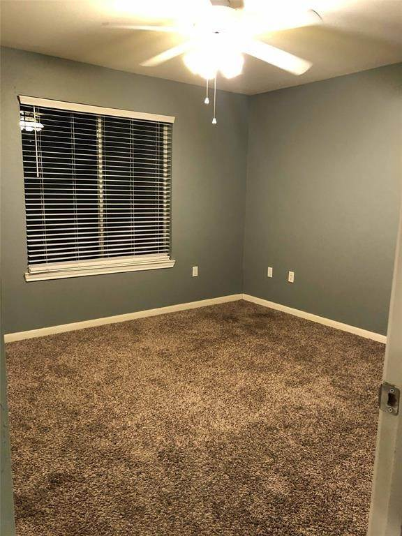 9. Condo / Townhouse for Rent at 521 Southwest Parkway #202 521 Southwest Parkway College Station, Texas 77840 United States