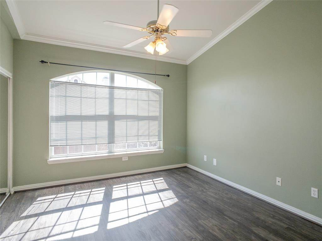 13. High or Mid-Rise Condo for Rent at 2100 Welch Street #C312 2100 Welch Street Houston, Texas 77019 United States