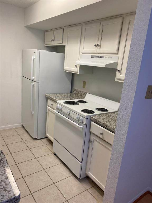 13. Condo / Townhouse for Rent at 2800 Jeanetta Street #2004 2800 Jeanetta Street Houston, Texas 77063 United States